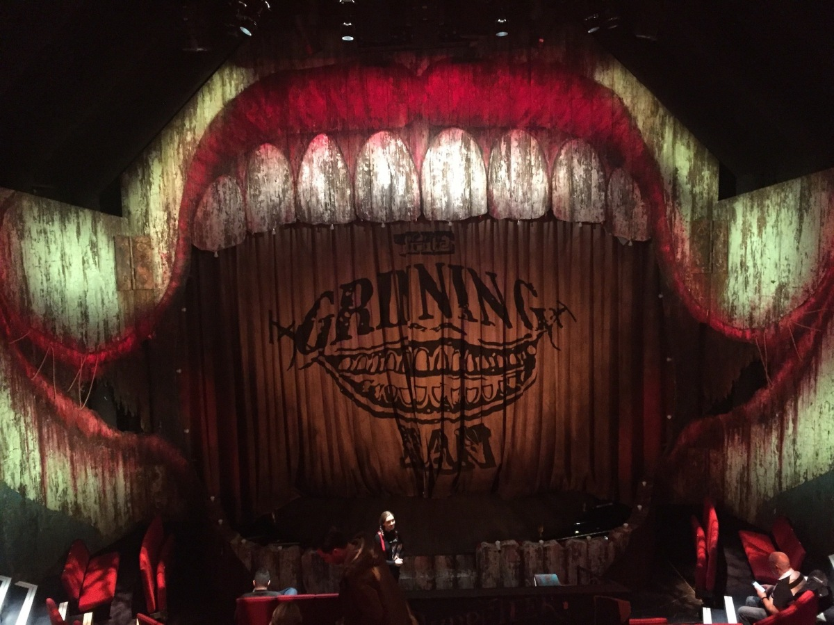 Review: The GrinningMan